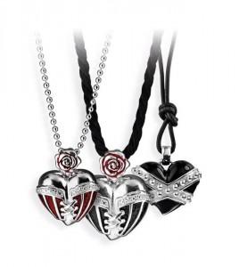 Diese Herz-Anhänger aus Silber verloste Drachenfels-Design, um die Fans noch mehr zum Mitmachen zu motivieren