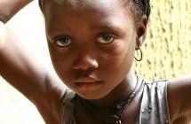 Bis zu 400.000 Patenmädchen werden von Plan International, World Vision, Kindernothilfe und ChildFund schutzlos der Genitalverstümmelung überlassen