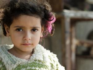 Weder in Ägypten noch in anderen Ländern werden Genitalverstümmelungen aus Unwissenheit verübt: Innerhalb der hochgebildeten Schicht Ägyptens sind 92% der Mädchen Opfer dieser Gewalt. 75% der Verstümmelungen werden von Ärzten verübt.
