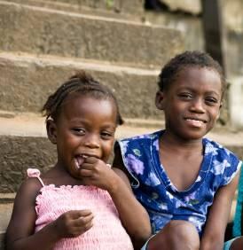 Das Münchner Jugendamt und Familiengericht überlassen zwei Mädchen schutzlos der Gefahr der Genitalverstümmelung in Nigeria